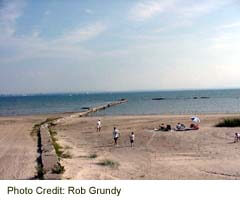 Public Beach at Fort Erie, on the Friendship Trail
