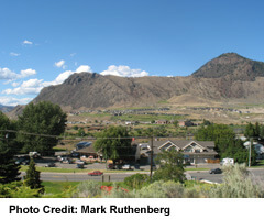 Just east of Kamloops is Rosehill Rd, with a view to Valleyview Homes And Secwepemc Museum on the north shore