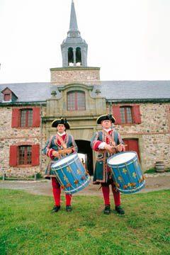 Costumed re-enactors at Louisbourg Fortress