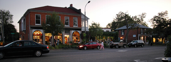 Niagara on the Lake is a charming small town, nestled in wine country