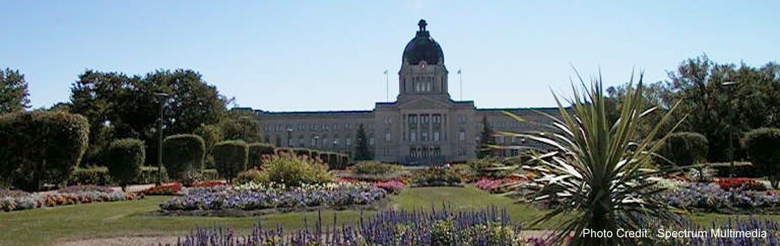 Regina- Saskatewan Legislature with flowers - sliver (Spectrum Multimedia)