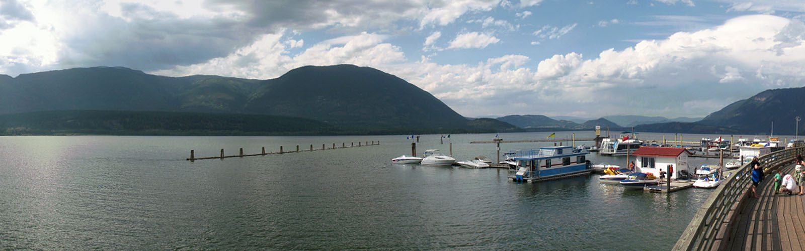 Salmon Arm View of twon Wharf and lake -sliver (Mark Ruthenberg)