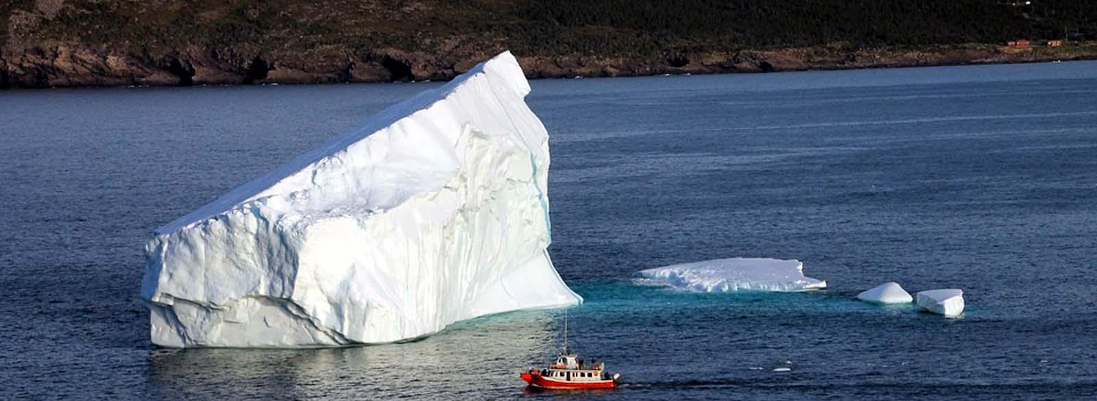 St John's-iceberg offshore -sliver