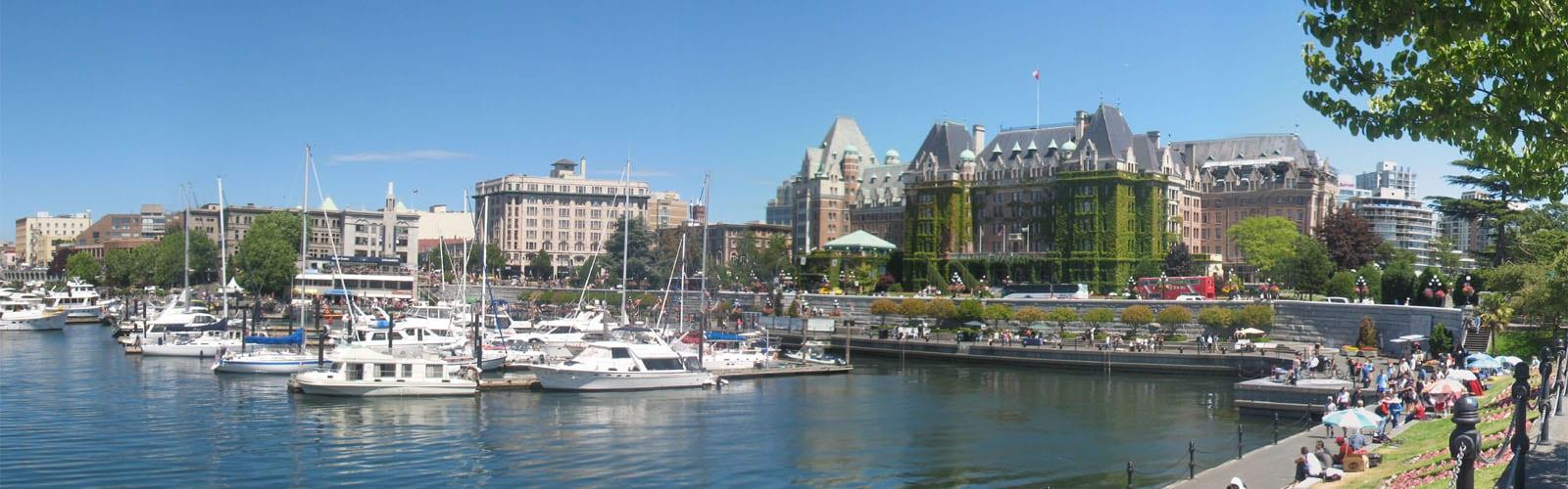 Victoria - Inner Harbour - Fairmont Empress Hotel (Mark Ruthenberg)