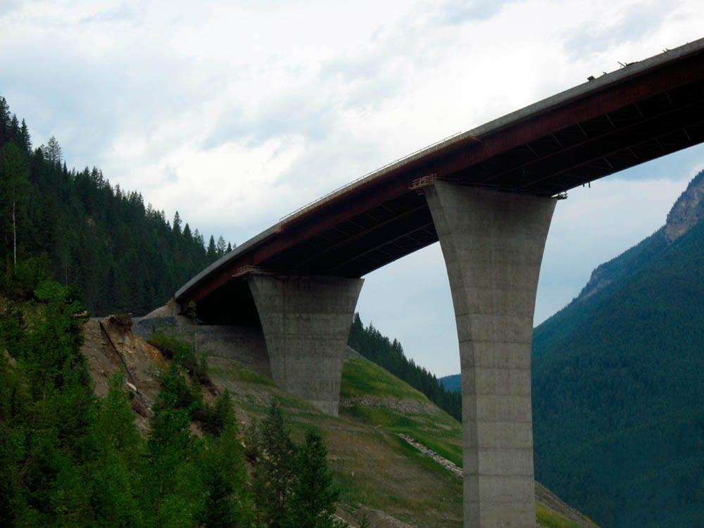 Golden- Park Bridge-close From Below