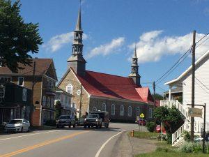 Saint-Jean-Port-Joli - church on main road